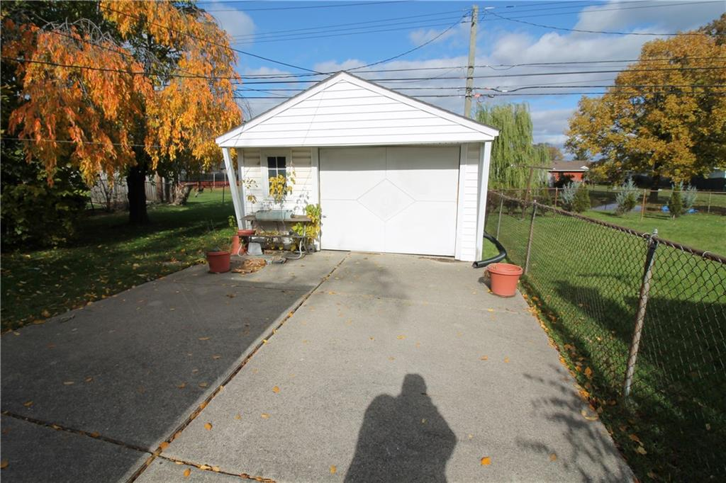 Yard & Garage